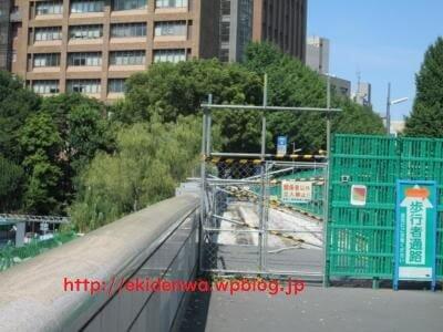 聖橋の歩道も工事中